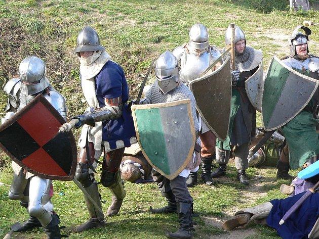 Nenechte si ujít hradní turnaj na hradě Pořešín.
