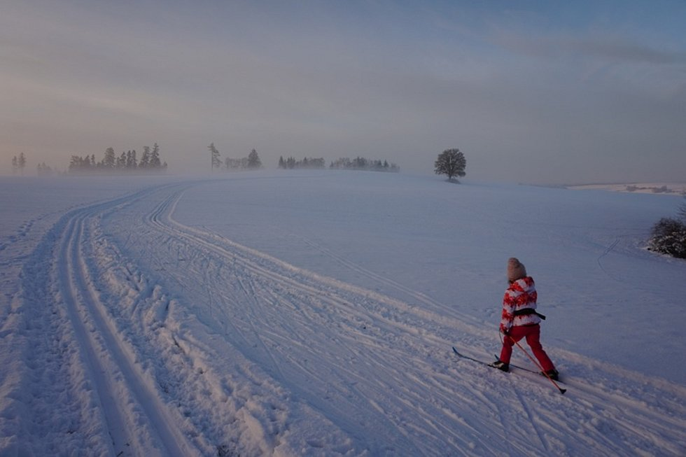 Velký zájem návštěvníků a ideální podmínky hlásí také běžkařské stopy na pomezí Táborska a Vysočiny. a