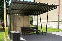 Jedním z přístřešků, u kterých je plánována rekonstrukce, se nachází u autobusové zastávky Na Růžku.