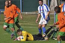 V podzimní partii Slavoj ve Strakonicích vedl gólem Lukáše Vacka, ale nakonec brankář Miroslav Jirkal (na snímku) celkem pětkrát lovil míč ze sítě.