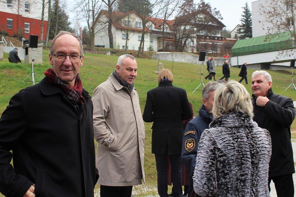 Starosta Českého Krumlova Dalibor Carda (vlevo), starosta Kaplice Pavel Talíř a starosta Větřní Antonín Krák.