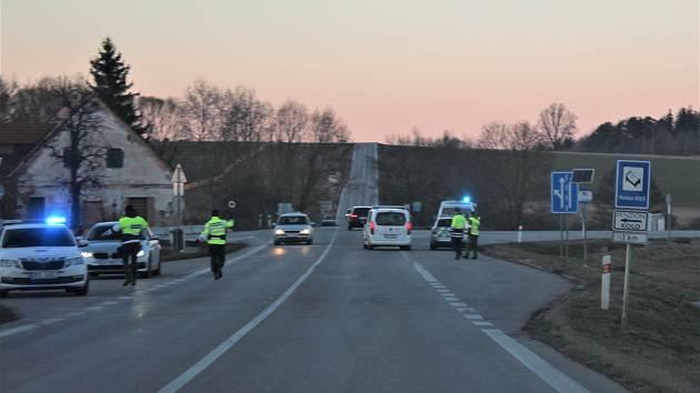 Víkendové kontroly na silnicích na hranici českokrumlovského okresu.