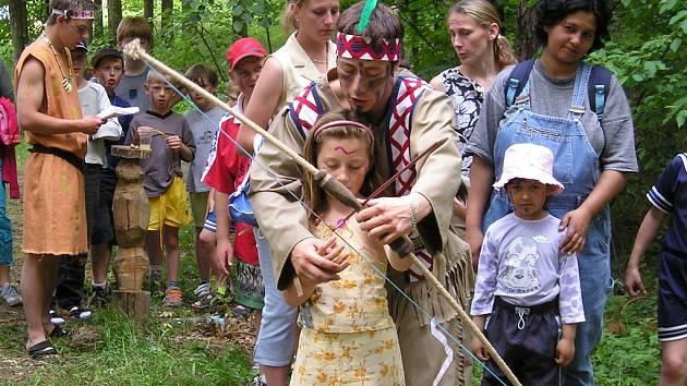 Děti si indiánské odpoledne pořádně užily.