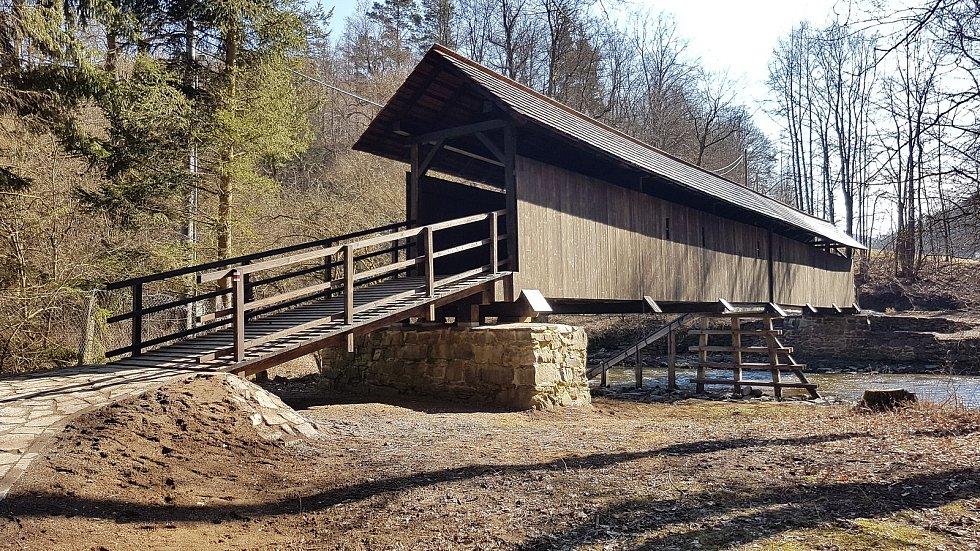 Rekonstrukce lávky v Prudké, soutěžící WaVe Structural Design s.r.o.; Vítěz odborné poroty v kategorii Velké dřevěné konstrukce – realizace.