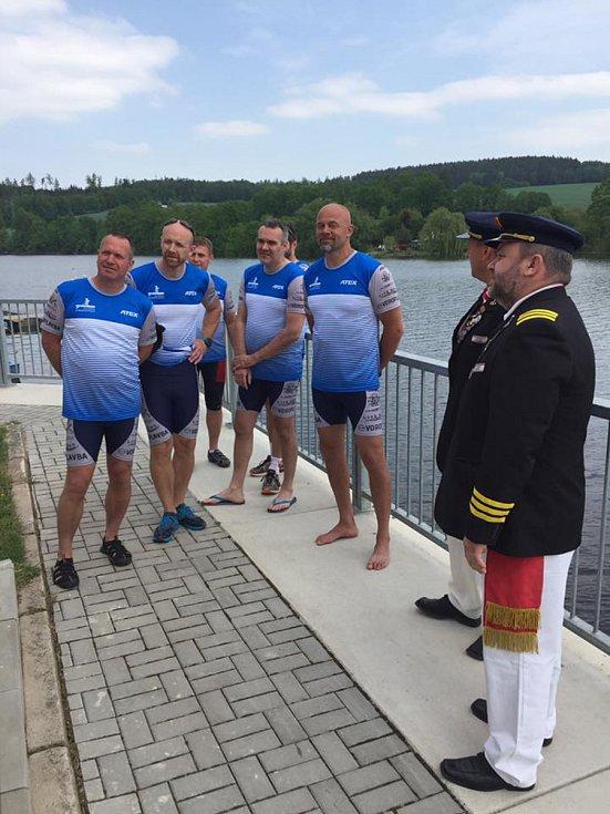 Radek Šťovíček, Vladimír Milota, Petr Kováč, Pavel Malinský a Václav Chalupa se členy spolu Vltavan.
