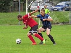 Oblastní I.A třída (skupina A) - 1. kolo: SK Větřní (červené dresy) - FC Velešín 3:4 (1:3).