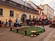 První sousedská slavnost v Masné ulici v Kaplici.