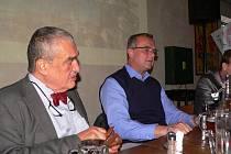 Karel Schwarzenberg a Miroslav Kalousek přijeli na zasedání výkonného výboru TOP 09 do Českého Krumlova.