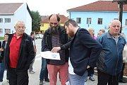 Lidé v Horní Plané debatovali o náměstí s architektem.