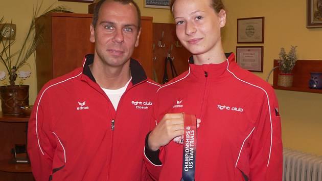 Na větřínské radnici se Vladimíra Račáková v doprovodu kouče Marka Hullmana pochlubila titulem mistryně USA a svojí poslední nejzářivější zlatou medailí.