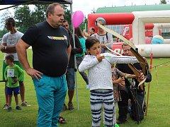 Festival Houpačka můžete navštívit na fotbalovém hřišti ve Velešíně.