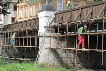 Oprava Lazebnického mostu by měla být krátká.
