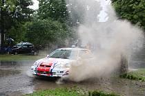 Jan Jinderle a Pavel Kacerovský (na snímku ze srpnové Rally Prachatice) odstartují do Rally Agropa Pačejov ze čtvrtého místa průběžného pořadí třídy N/1600, ale i přes poměrně velkou bodovou ztrátu se nadějí na konečné medailové umístění nevzdávají.