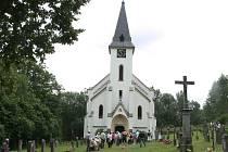 Kostel v Zadní Zvonkové se zaplnil jako za starých časů