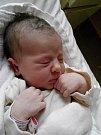 Prvorozená Nela Ottenschlägerová vykoukla na svět vpondělí 25. května 2015 ve tři čtvrtě na pět ráno. Porodní míry holčičky Moniky Ballákové zKaplice a velešínského Václava Ottenschlägera byly 49 centimetrů a 3315 gramů. Tatínek u porodu asistoval.