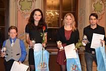 ČTVEŘICE oceněných sportovních talentů okresu za rok 2016 – (zleva): Matyáš Jurík, Bára Hadáčková, Eva Štumbauerová a Dominik Tůma.