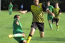 Fotbalová příprava: TJ Tatran Lomnice nad Lužnicí (zelené dresy) – FK Spartak Kaplice 0:3 (0:3).