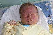 Vúterý 12. května 2015 se Haně a Radkovi Hudákovým zČeského Krumlova narodil 53 centimetrů měřící a 4250 gramů vážící Radek Hudák. Chlapeček vykoukl na svět v11 hodin a 28 minut. Doma na něj čekaly dvě sestry - devatenáctiletá Hana a osmiletá Karolína.
