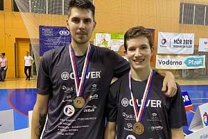 Českokrumlovští badmintonisté Jaromír Janáček (vlevo) s Tomášem Švejdou reprezentovali Česko na evropském šampionátu v Kyjevě.