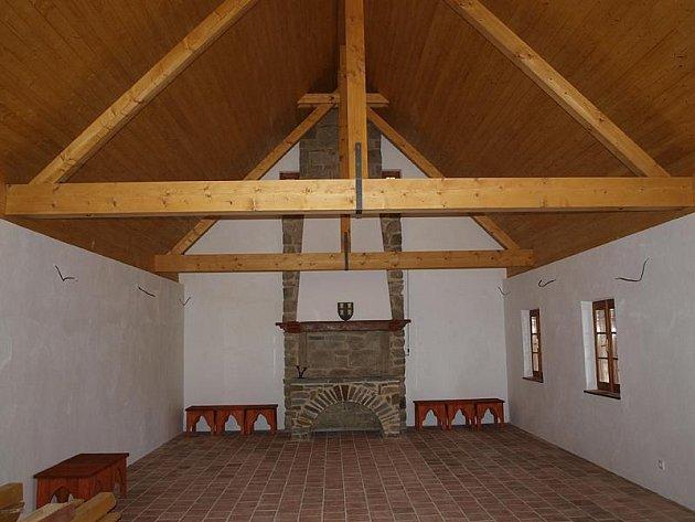 Nejprostornější místnost v Hradním muzeu pojme ještě model hradu a vitríny, kde najdou místo jednotlivé exponáty.