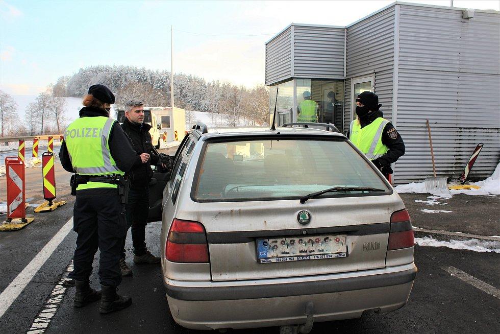 Kontroly na rakouské hranici za Dolním Dvořištěm. Ilustrační foto.