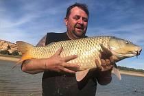 Martin Hladík z Větřní s partou vyrazil rybařit na řeku Ebro do Španělska.