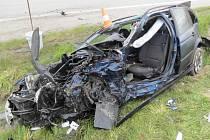 U Dolního Dvořiště se střetla dvě osobní auta. Řidič jednoho z nich na místě zemřel.