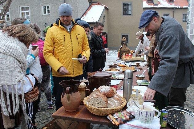V klášterech návštěvníci masopustně tvořili, nebo ochutnávali dobroty na jarmarku, restauraci Eggenberg ovládly vepřové hody.
