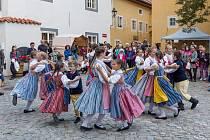 Český Krumlov roztančil Mezinárodní folklórní festival.