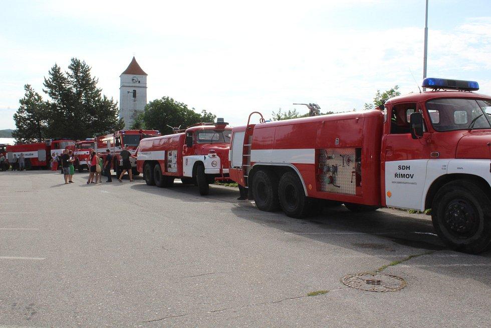 Oslavy Sboru dobrovolných hasičů ve Velešíně.