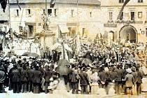 Slavnost, při které byla slavnostně odhalena socha císaře Josefa II., se na kaplickém náměstí uskutečnila 3. září 1899.