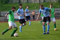 Ondrášovka KP – 28. kolo: FK Slavoj Český Krumlov (zelené dresy) – SK Rudolfov 5:0 (2:0).