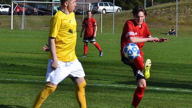 I.A třída (skupina A) – 15. kolo: SK Větřní (červené dresy) – SK Lhenice 1:3 (0:3).