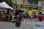 Grand Prix Kaplice otevřel motocyklový kaskadér Martin Krátký který předvedl své mistrovství v sedle Yamahy a MZ.