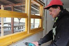 Řemeslníci pracují i na zkvalitnění zázemí restaurace.