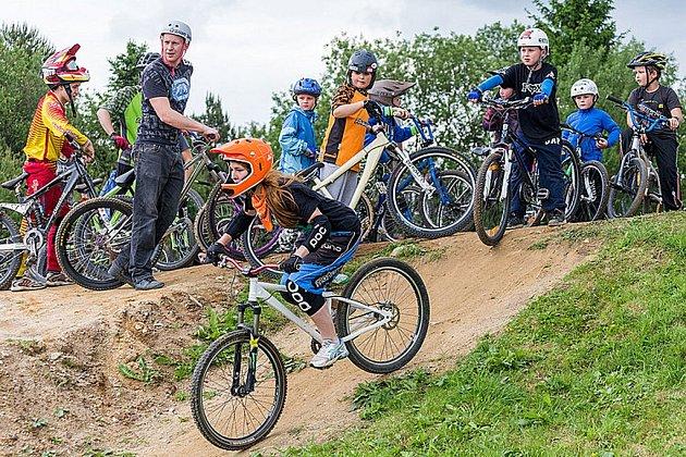 V Dolním Třeboníně je otevřen nový bikepark.