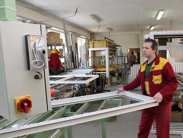 Výroba oken v ALU.PLASTu v Kaplici.
