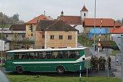V Polné na Šumavě volilo několik stovek vojáků.