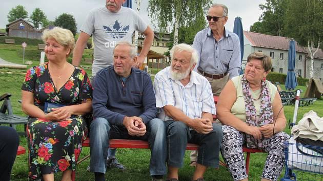Setkání rodáků, jejichž rodiny přišly do Dolní Vltavice po válce.