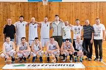 VICEMISTŘI. Stříbrný tým jihočeského oblastního přeboru basketbalistů 2015/16 – Spartak Kaplice.