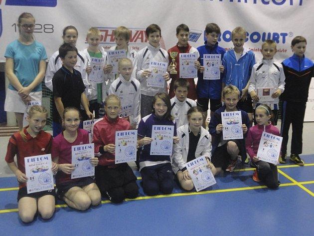 Ve třech jihočeských výběrech se představila dvacítka badmintonových talentů ze čtyř oddílů (na snímku).