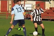 10. kolo oblastní I. A třídy dorostu: FK Spartak Kaplice + V. Brod (v černobílém) – TJ Hluboká nad Vltavou 12:0 (6:0).
