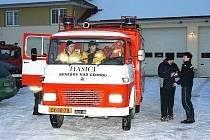 Benešovští dobrovolní hasiči už mají za sebou několik úspěšných zásahů. Hodně se vyznamenali i při povodních v roce 2002.