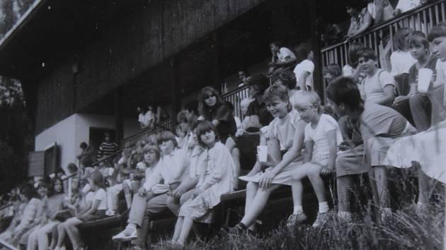 Loučení se školním rokem 1988 ve Vyšším Brodě.
