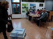V Holubově na Českokrumlovsku mívají vysokou účast, přes 70 % není nic zvláštního.