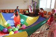 Dětská karneval uspořádali hasiči v Srníně.
