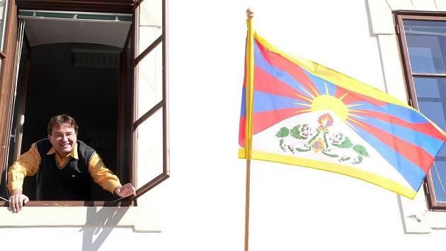 Tibetská vlajka ve Zlaté Koruně.