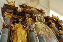 Kostel Umučení sv. Jana Křtitele v Zátoni.