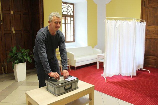 Volby do Evropského parlamentu vléčebně Červený Dvůr.