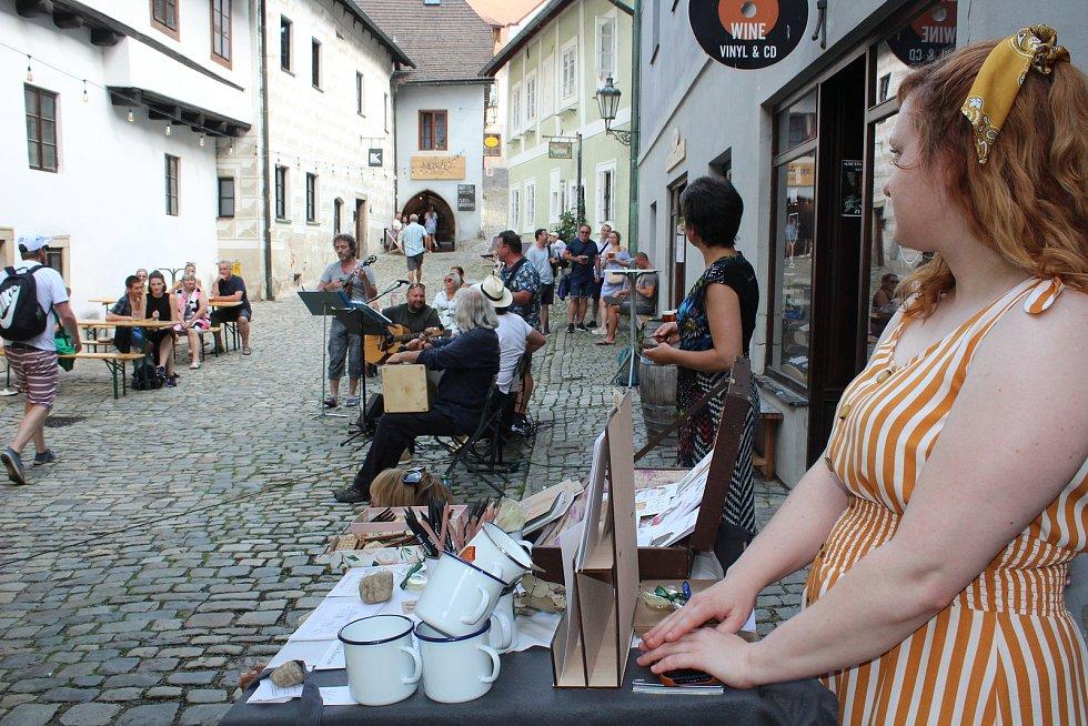 Zahradními slavnostmi žilo v sobotu odpoledne centrum Českého Krumlova.
